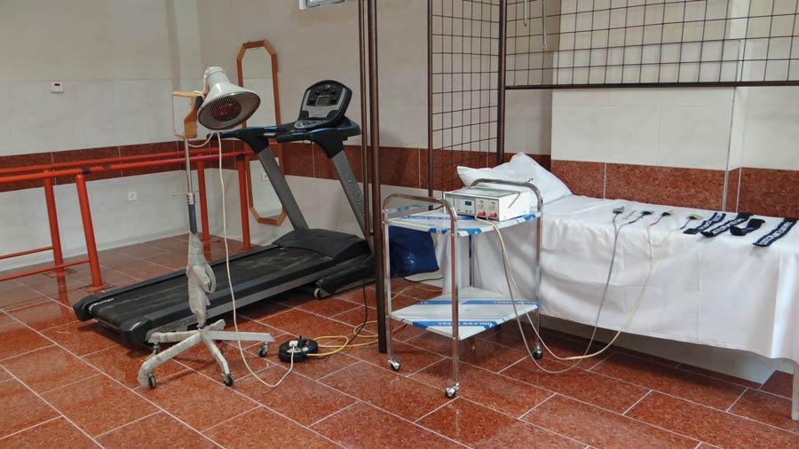 خدمات درمانی و توانبخشی مرکز سالمندان فرزانگان