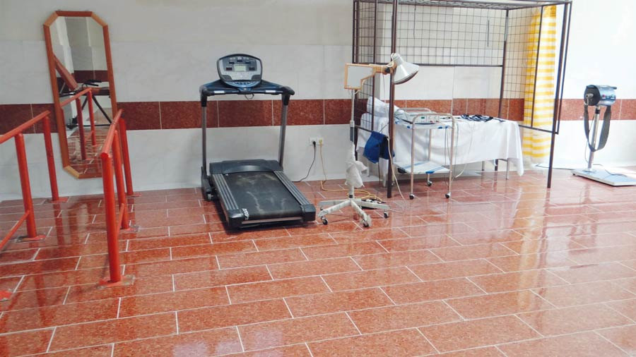 خدمات درمانی و توانبخشی مرکز سالمندان فرزانگان شیر